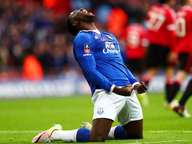 Romelu Lukaku celebrates Chris Smalling's equaliser during the FA Cup semi-final between Everton and Manchester United on April 23, 2016