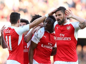 Welbeck fires Arsenal up to third