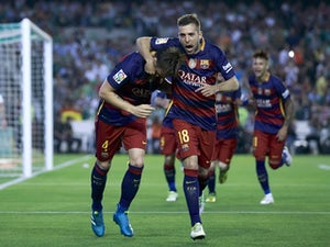 Barcelona back on top of La Liga