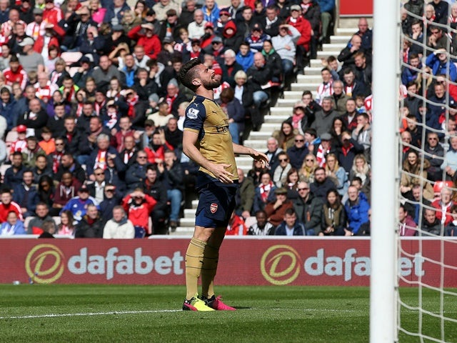 Olivier Giroud looks dejected after a missed opportunity during the Premier League match between Sunderland and Arsenal at Stadium of Light on April 24, 2016