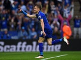 Jamie Vardy celebrates scoring from the penalty spot during the Premier League game between Leicester City and Everton on May 7, 2016