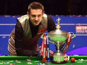 Mark Selby leads Ronnie O'Sullivan in World Championship semi-final