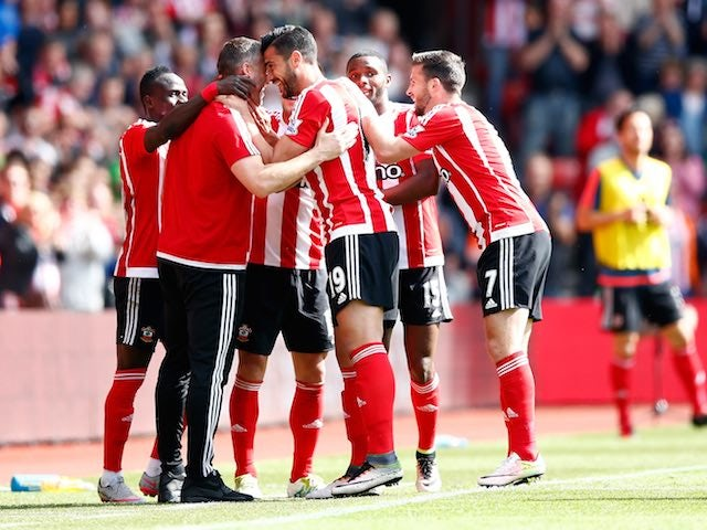 Graziano Pelle celebrates scoring during the Premier League game between Southampton and Crystal Palace on May 15, 2016