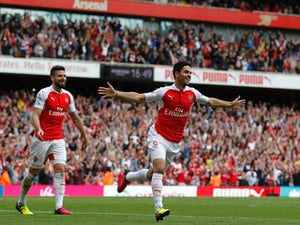 Arsenal snatch second with Villa win