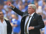 Steve Bruce gives instructions during the Championship playoff final between Hull City and Sheffield Wednesday on May 28, 2016