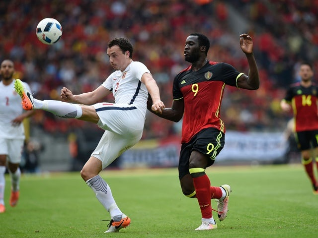 Norway's Haitam Aleesami vies with Belgium's Romelu Lukaku during the international friendly on June 5, 2016