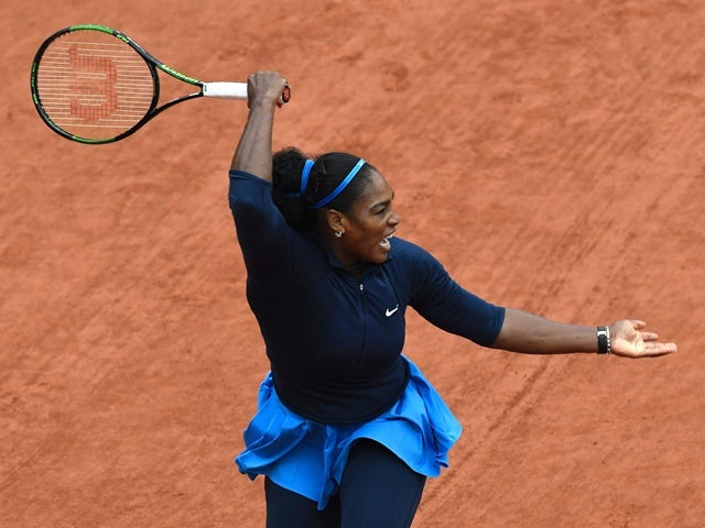 Serena Williams returns the ball to Elina Svitolina at the French Open on June 1, 2016