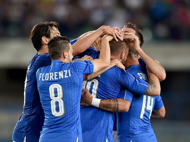 Daniele De Rossi of Italy celebrates after scoring the second goal during the international friendly against Finland on June 6, 2016