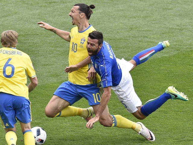 Andrea Barzagli vies with Zlatan Ibrahimovic during the Euro 2016 Group E match between Italy and Sweden on July 17, 2016