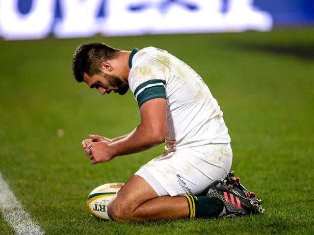 Damian de Allende scores a try in the Test match between South Africa and Ireland at Emirates Airline Park on June 18, 2016