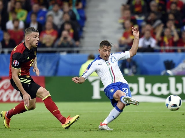 Emanuele Giaccherini scores his team's first goal during the Euro 2016 Group E game between Belgium and Italy on June 13, 2016