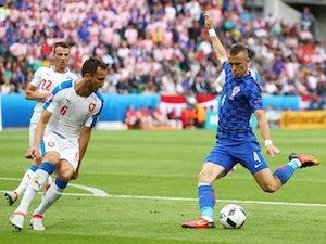 Czechs stun Croatia with late draw