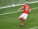 Aaron Ramsey scores the opener during the Euro 2016 Group B match between Russia and Wales on June 20, 2016