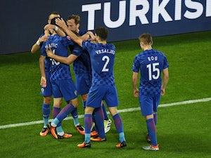 Croatia beat Spain to top Group D