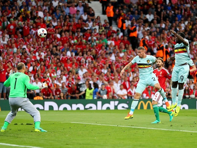 Toby Alderweireld scores the opening goal during the Euro 2016 RO16 match between Hungary and Belgium on June 26, 2016