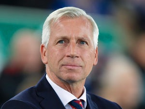 Pardew interested in Leicester job?