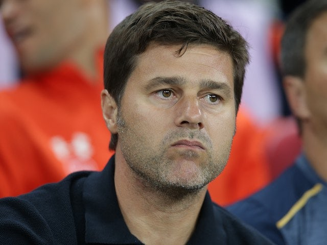 Spurs manager Mauricio Pochettino watches on on September 14, 2016