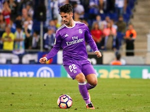 Isco keen to sign new Madrid contract