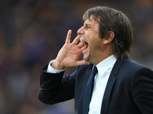 Conte aims dig at Manchester clubs