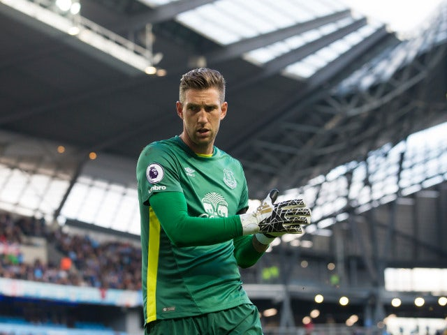 Everton goalkeeper Maarten Stekelenburg in action during his side's 1-1 draw with Manchester City at the Etihad Stadium on October 15, 2016