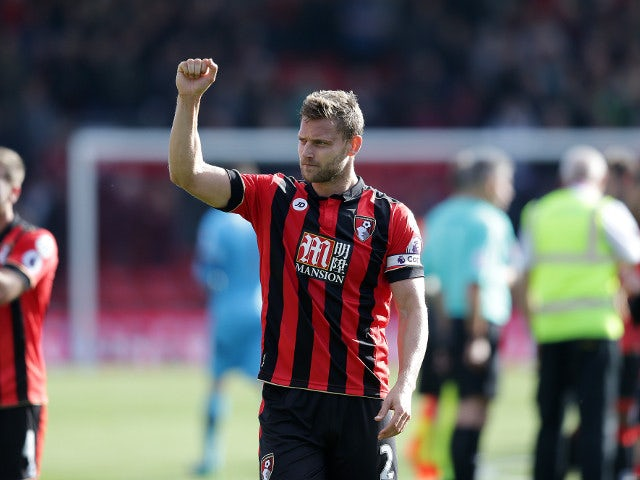 Bournemouth captain Simon Francis gestures following his side's Premier League clash with Tottenham Hotspur at the Vitality Stadium on October 22, 2016