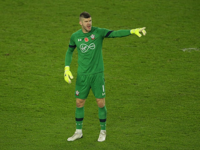 Southampton goalkeeper Fraser Forster in action during his side's Premier League clash with Chelsea at St Mary's Stadium on October 30, 2016