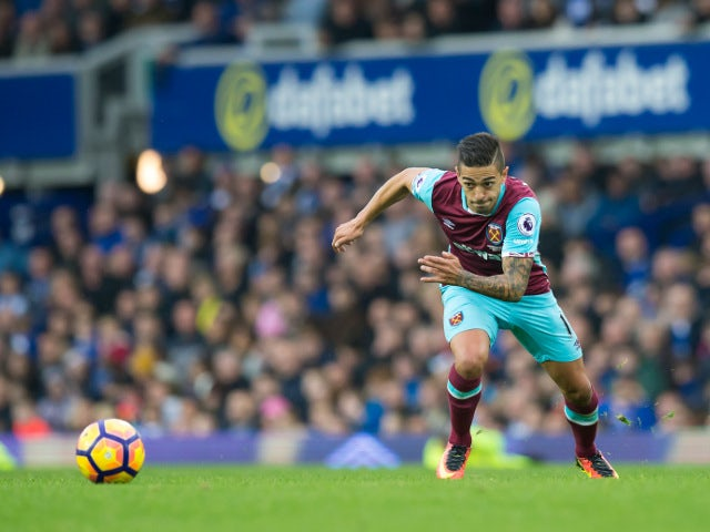 West Ham United midfielder Manuel Lanzini in action during his side's Premier League clash with Everton at Goodison Park on October 30, 2016