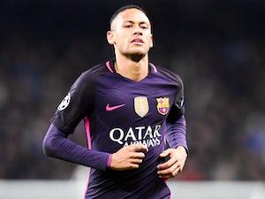 Neymar calls for Barca to sign Paulinho