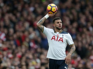 Man City 'open talks over Kyle Walker'