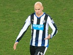 Jonjo Shelvey injured hand 'while splitting up training-ground fight'