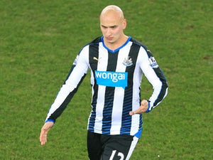 Shelvey injured hand 'splitting up fight'