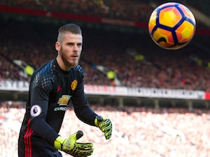 United 'readying new deal for De Gea'