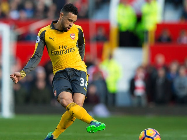 Coquelin completes move to Valencia