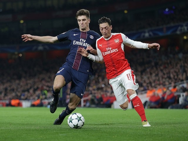 Chelsea, Spurs miss out on Meunier?