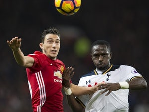 Report: Man United want to keep Darmian
