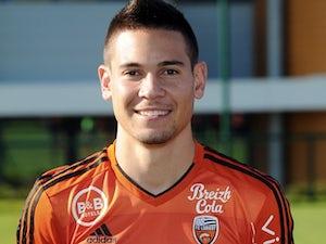 Dortmund announce Guerreiro signing