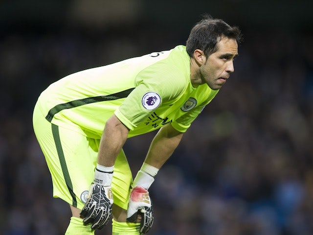 Claudio Bravo pulls out of Chile squad