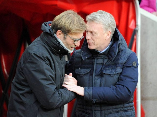 Jurgen Klopp and David Moyes greet each other ahead of the Premier League game between Sunderland and Liverpool on January 2, 2017