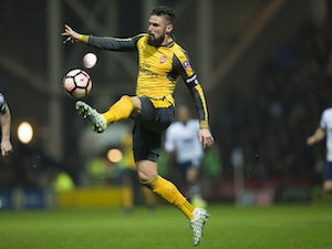 Giroud rescues Arsenal late on