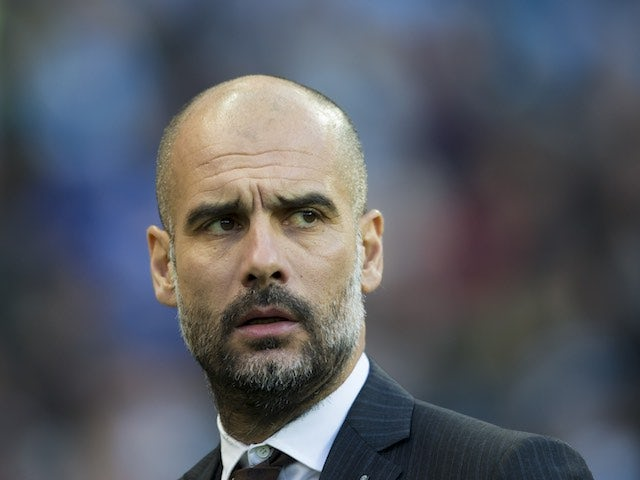 Cruyff: 'Guardiola was lined up by United'