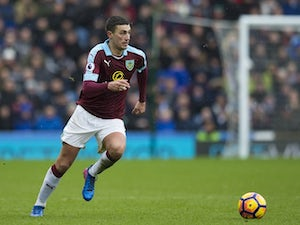 Lowton signs new Burnley contract