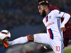 Lacazette 'undergoing Arsenal medical'