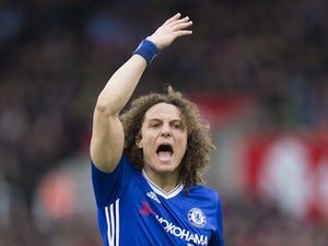 David Luiz 'splashes out £1m on teammates'