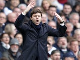 Mauricio Pochettino shouts during the Premier League game between Tottenham Hotspur and Southampton on March 19, 2017