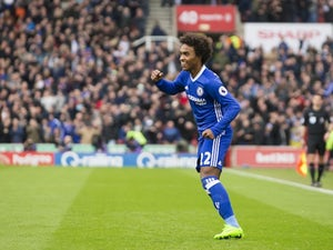 Willian rubbishes Chelsea exit rumours