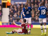 Morgan Schneiderlin gives Joey Barton a ticking-off during the Premier League game between Everton and Burnley on April 15, 2017