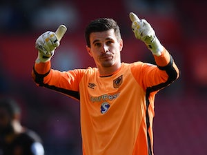 Foxes 'to reignite Jakupovic interest'