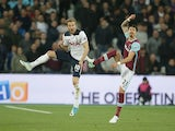 Harry Kane and Jose Fonte during the Premier League match between West Ham United and Tottenham Hotspur on May 5, 2017