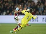 Tottenham Hotspur's Hugo Lloris saves from West Ham United's Manuel Lanzini on May 5, 2017