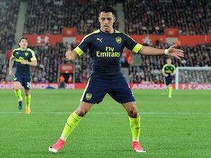 Team News: Sanchez passed fit for Sunderland clash